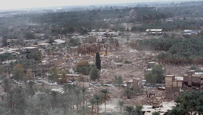زلزله بم ۷۰ هزار تن از هموطنانمان را زیر آوار بٌرد