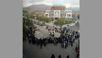 تجمع دانشجویان دانشگاه علامه طباطبایی تهران در پردیس مرکزی بهمناسب روز دانشجو ۱۸آذر