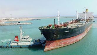 کاهش صادرات نفت ایران به آسیا - عکس آرشیو