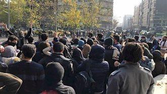تظاهرات ۳هزار تن از دانشجویان در محل کوی دانشگاه تهران