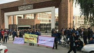 بیستودومین روز اعتصاب کارگران فولاد اهواز  مقابل استانداری خوزستان - ۱۰ آذر۹۷