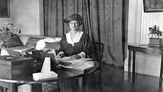 نانسی آستور اولین زن عضو پارلمان انگلستان