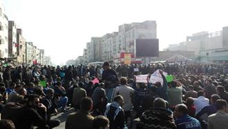 تجمع و اعتصاب کارگران گروه ملی فولاد اهواز - دوشنبه ۲۶آذر ۹۷