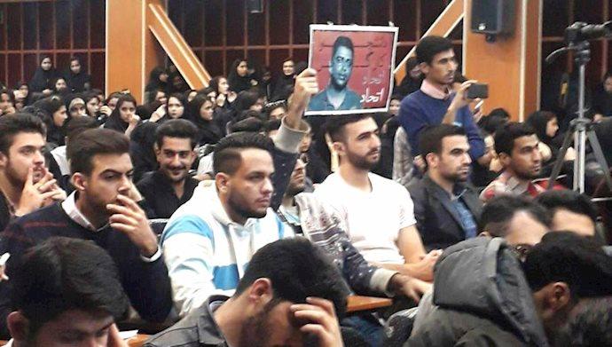 اقدام شجاعانه دانشجوی دانشگاه خیام مشهد در حمایت از اسماعیل بخشی در مراسم روز دانشجو