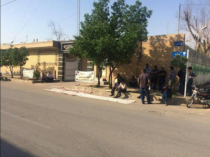 اهواز.دومین روز اعتراض کارگران قطار شهری.۱۱آذر