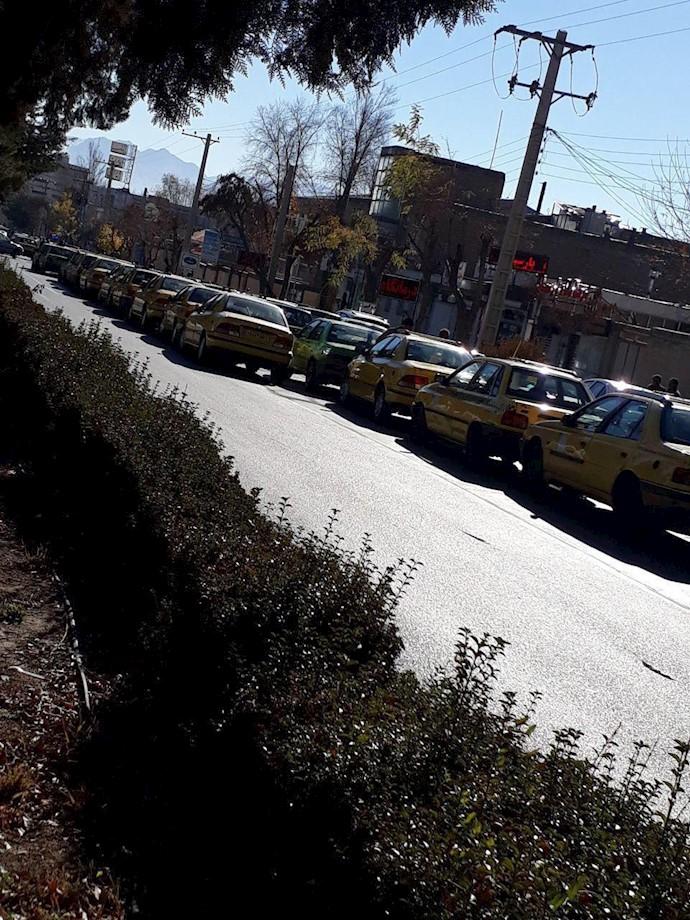 تجمع اعتراضی تاکسیداران شهرکرد