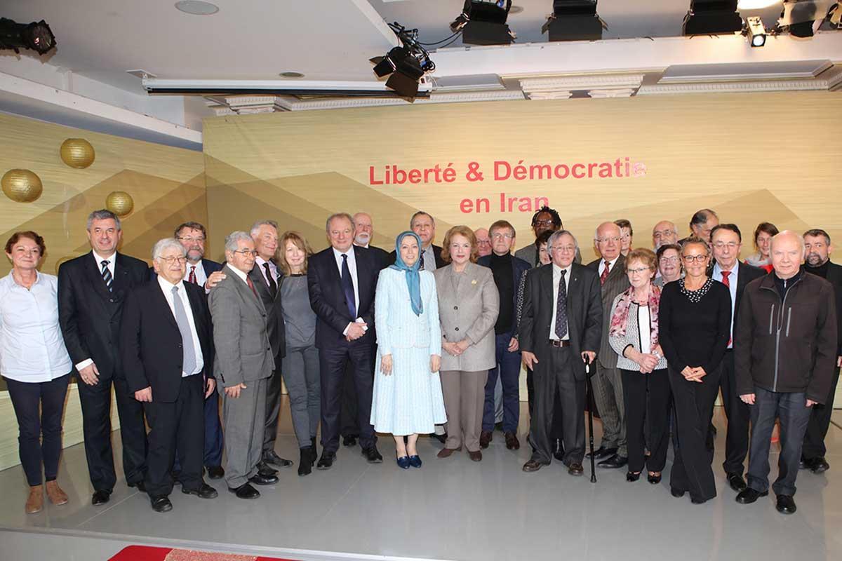 دیدار مریم رجوی با منتخبان و حامیان فرانسوی مقاومت ایران - بهمناسبت سال نو میلادی