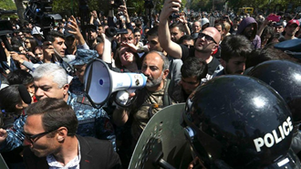 نیکول پاشینیان، رهبر تظاهرات اخیر ارمنستان