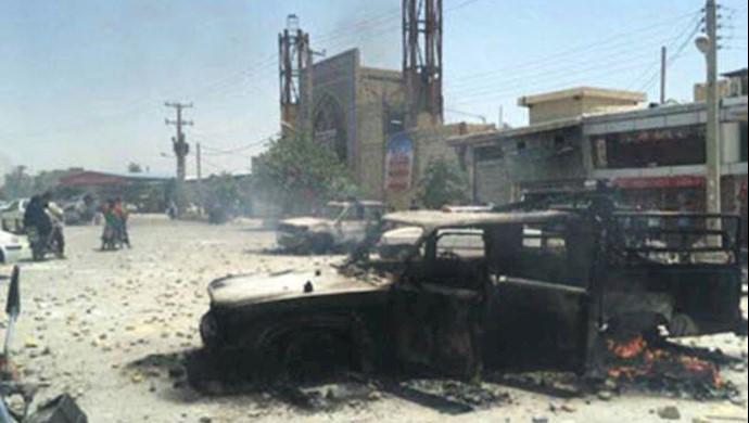 آتش زدن خودروهای نیروهای سرکوبگر توسط مردم در کازرون