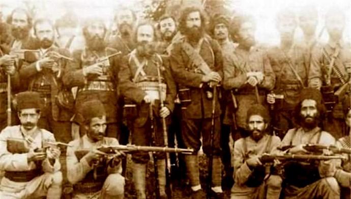 فتح رشت و اعلام جمهوری گیلان توسط سردار جنگل، میرزا کوچک خان