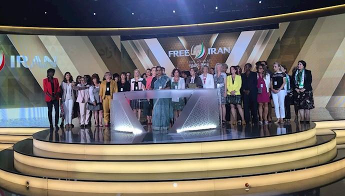 مقامهای عالیرتبه و حامیان حقوق زنان از سراسر جهان در همایش ایرانیان