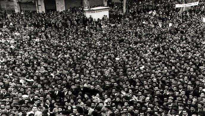 میدان بهارستان اولین سالگرد قیام ۳۰تیر ۱۳۳۱