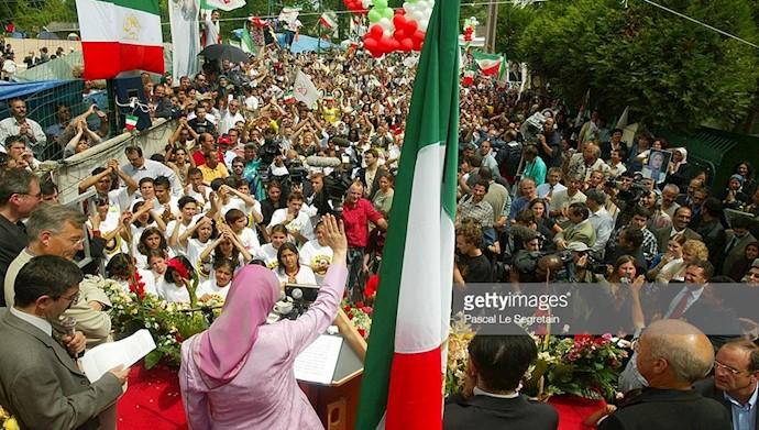 فریاد شادی هموطنان پس از آزادی مریم رجوی