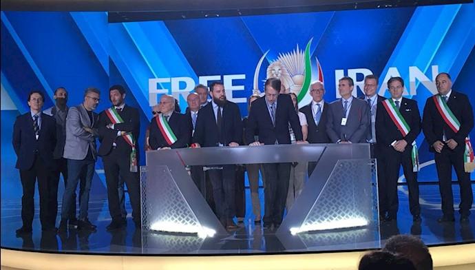 هیات اروپایی در گردهمایی بزرگ ایرانیان در پاریس ۹تیر۹۷