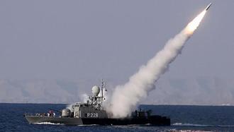 آزمایش موشک در رزمایش دریایی رژیم ایران - عکس آرشیو