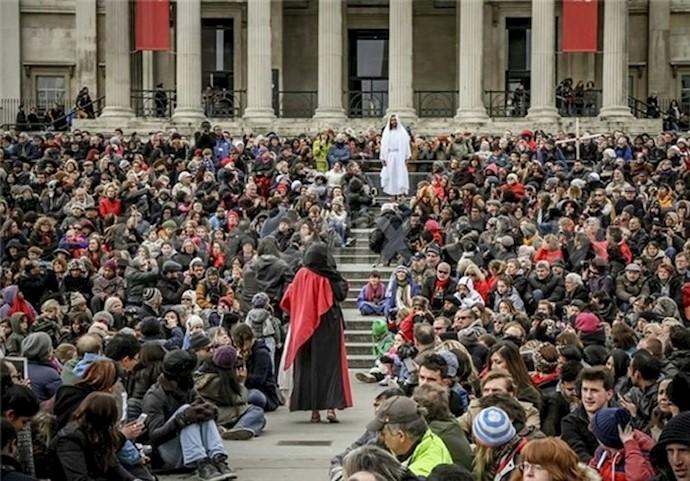 مراسم شبیهسازی به صلیب کشیدن حضرت عیسی(ع) در لندن
