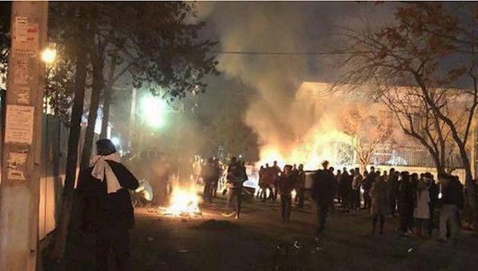 هر مدرسه چند ده کانون شورشی