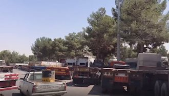اعتصاب رانندگان کامیون ادامه دارد