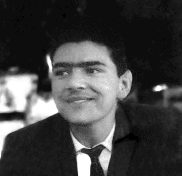 مسعود رجوی در دوران دبیرستان