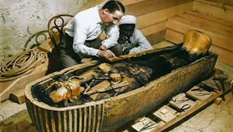 ۱۶ فوریه ۱۹۲۴ - ۲۷ بهمن: باز گشودن تابوت فرعون مصر توتن خامون