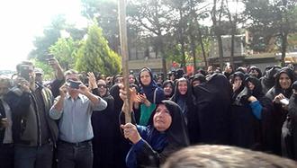 تظاهرات کشاورزان خوراسگان و حضور چشمگیر زنان