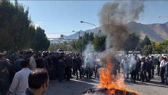 اعتراضات کارگران آذرآب اراک در فضای امنیتی شدید