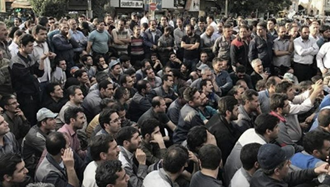 تجمع اعتراضی کارگران آذرآب اراک