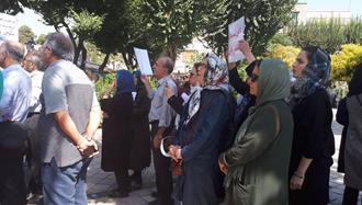 تهران.تجمع بازنشستگان درجلوی سازمان برنامه و بودجه رژیم - ۱۷مهر۹۸
