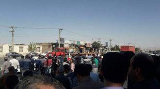 اراک.بستن جاده ورودی اراک توسط کارگران معترض آذرآب و هپکو ۱۴مهر۹۸