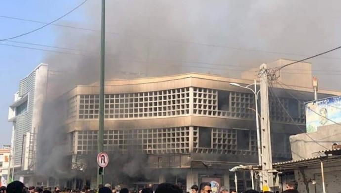 به آتش کشیدن بانک ملی بهبهان - ۲۵آبان۹۸