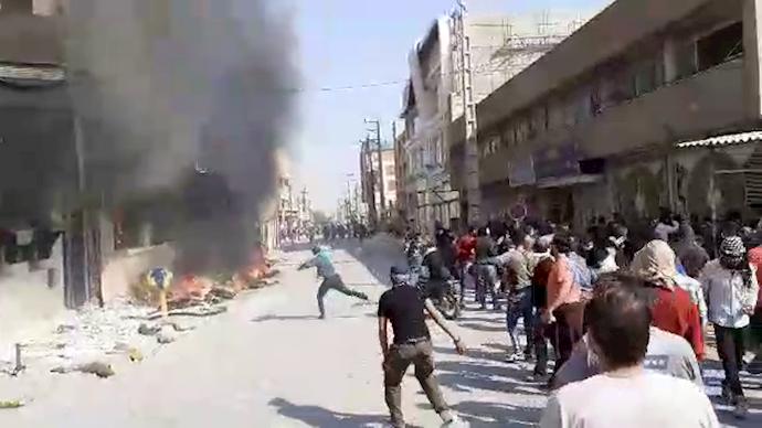 درگیریهای جوانان شورشی بهبهان و تخریب مراکز حکومتی
