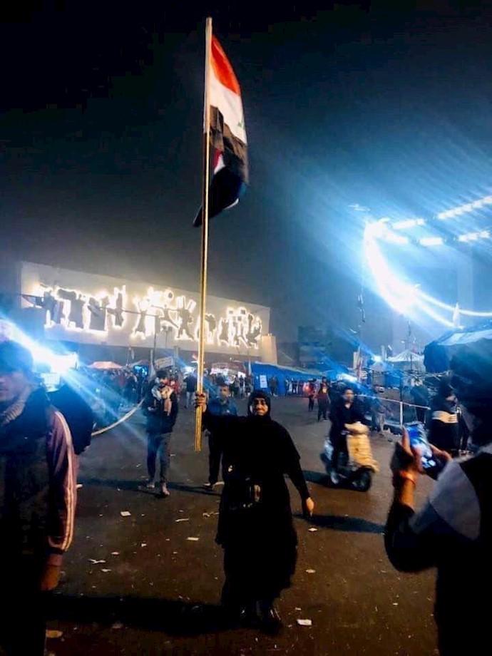 بغداد -با شنیدن حمله و حوش رژیم ایران به میدان تحریر مادری ازاعظمیه خودش را به جوانان انقلابی رساند