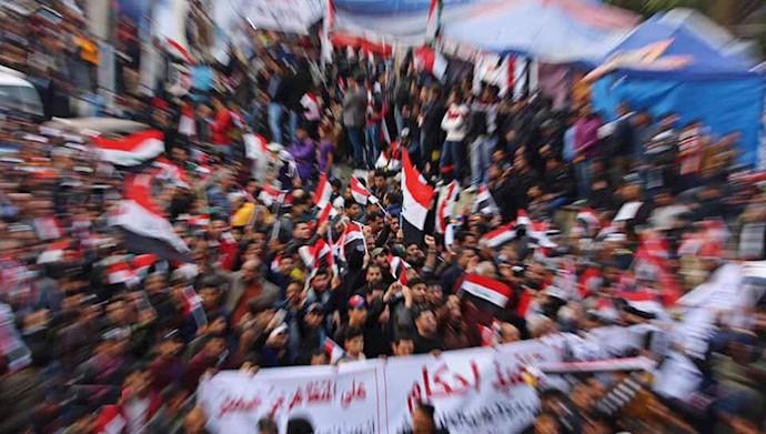 میدان تحریر بغداد - تصویری از دوربین احمد مهنه از شهیدان قیام عراق
