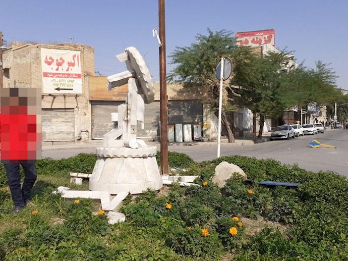 بهبهان تخریب مجسمه مطهری - ۲۵آبان۹۸