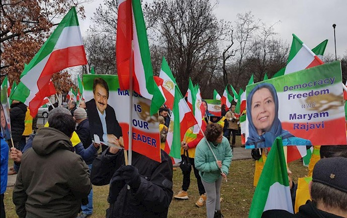 آکسیون ایرانیان در ورشو
