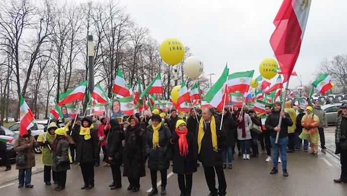 تظاهرات مقاومت  ایران در ورشو - ۲۴بهمن ۹۷