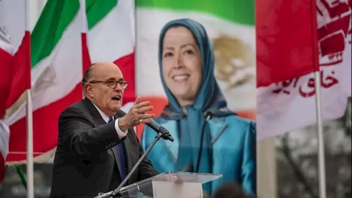 سخنرانی رودی جولیانی در تظاهرات ایرانیان در ورشو