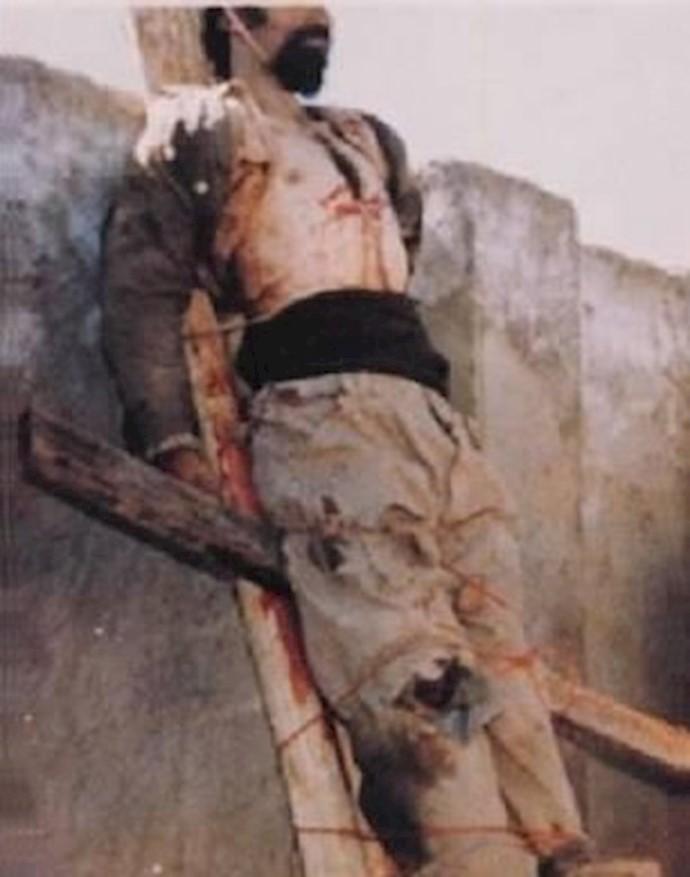 الله قلیخان بر صلیب