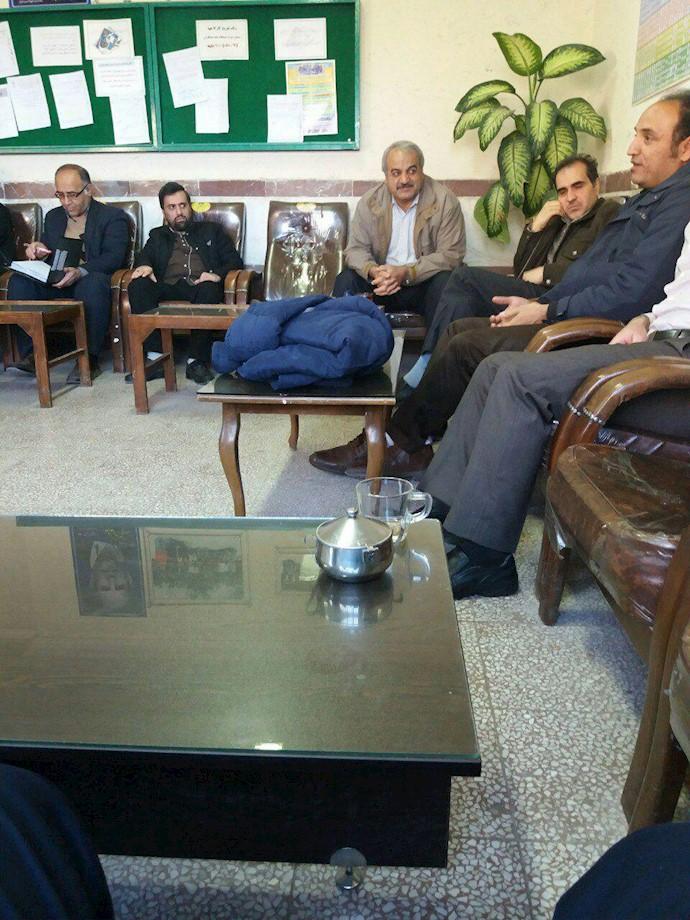 تحصن سراسری معلمان - دبیرستان فردوسی (بابا خان) همدان- ۱۲اسفند۹۷