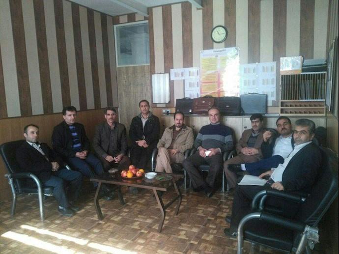 تحصن سراسری معلمان -دبیرستان شاهد معلم - قزوین - ۱۲اسفند۹۷