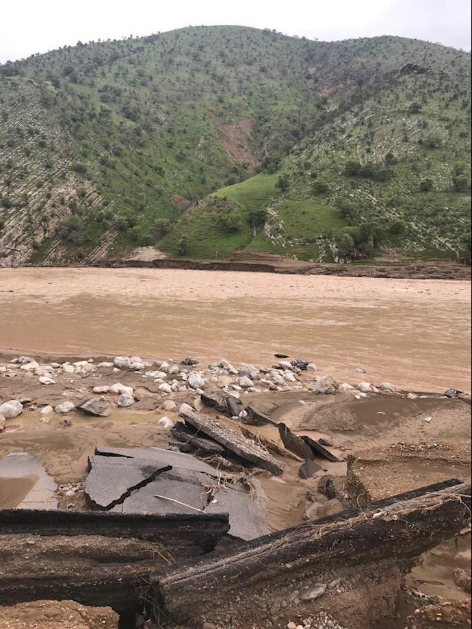 سند لرستان-- روستای چم حسین تنگ تیر بهطور کامل در اثر سیل محو شده است