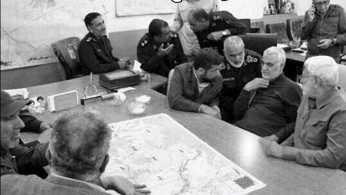 قاسم سلیمانی سرکرده نیروی تروریستی قدس  و ابومهدی مهندس از سرکردگان حشدالشعبی در جلسه مدیریت بحران  شادگان