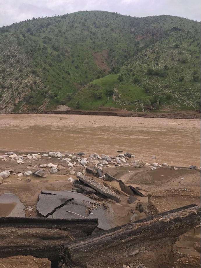 لرستان -روستای چم حسین تنگ تیر بهطور کامل در اثر سیل محو شده است