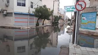 اهواز - جمع شدن فاضلاب در خیابانهای اهواز