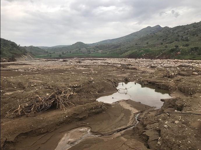لرستان- روستای چم حسین تنگ تیر بهطور کامل در اثر سیل محو شده است