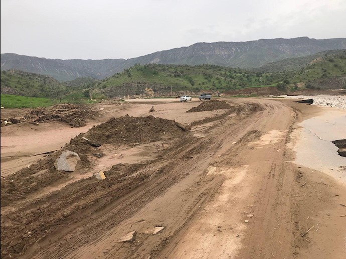 لرستان روستای چم حسین تنگ تیر بهطور کامل در اثر سیل محو شده است