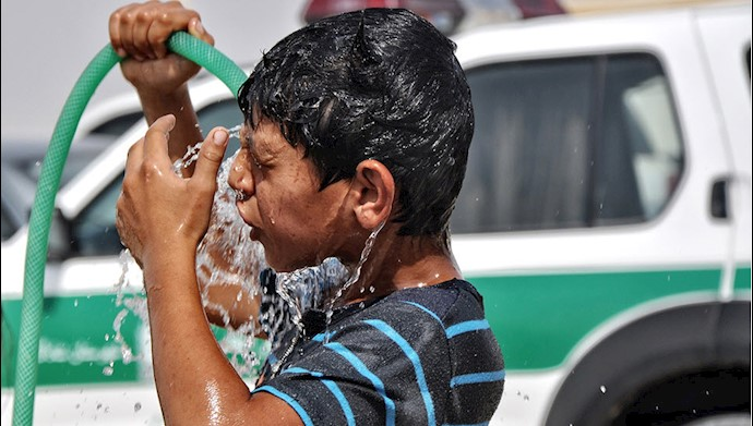 خوزستان، تعطیلی ادارات بهعلت گرمای بالای ۵۰درجه، آتشسوزی غیزانیه و ۱۸نقطه  دیگر در این استان