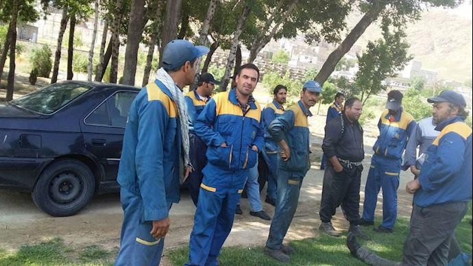 تحصن کارگران راهآهن نورآباد و شازند و اراک