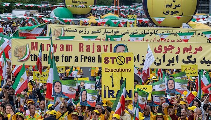 تظاهرات بزرگ ایرانیان در برلین ۱۴