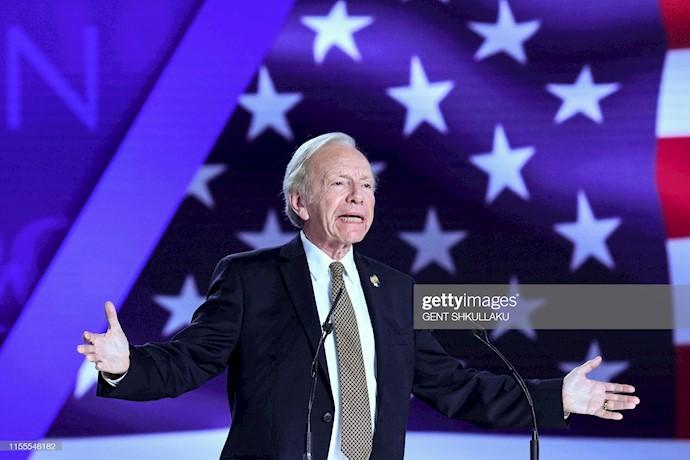 سناتور جوزف لیبرمن در کنفرانس ۱۲۰سال مبارزه برای آزادی ایران در اشرف ۳